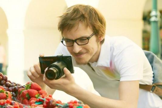 Sony QX30: nuova fotocamera esterna per smartphone in arrivo all'IFA 2014?