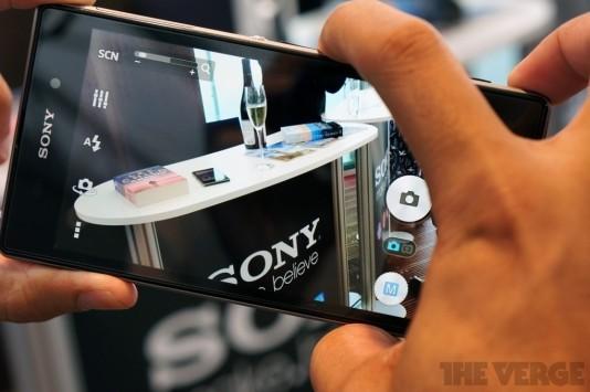 Sony Xperia Z1 appare su Clove UK al prezzo di 670€