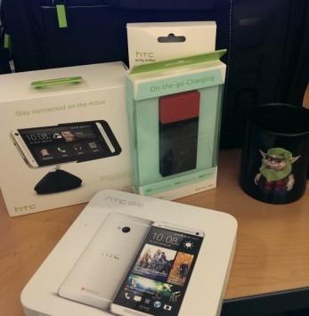 Al proprietario salvato dal suo Evo 3D, HTC regala un One nuovo e tanti accessori