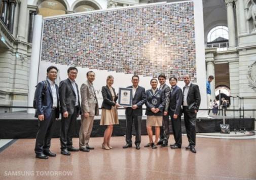 Curioso record registrato da Samsung: il libro fotografico più grande al mondo