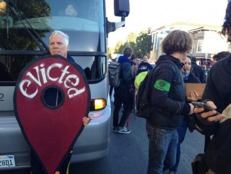 I residenti di San Francisco protestano contro Google e Apple