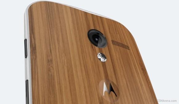 Motorola Moto X: in arrivo il retro in pelle?