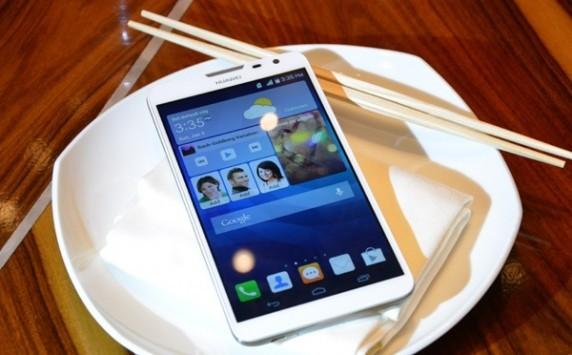 [CES 2014] Huawei presenta Ascend Mate 2: LTE, 4050 mAh e Reverse Charge