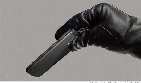 Furti di smartphone: Google, Samsung, Apple e altri doteranno i propri device di tool antifurto