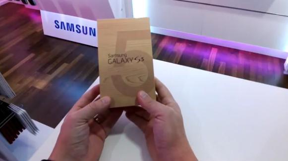 Samsung Galaxy S5, video unboxing della versione T-Mobile