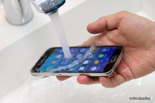 Samsung Galaxy S5: problemi nella produzione delle lenti per la fotocamera