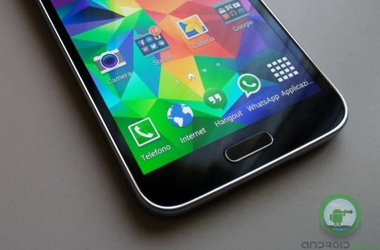 Nessuno vuole i Super AMOLED, secondo un dirigente di Samsung Display