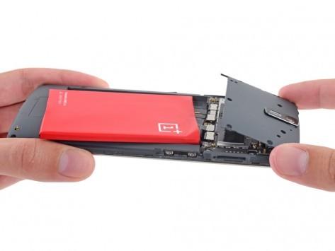 OnePlus One smontato da iFixit, buona riparabilità e ottimo assemblaggio [FOTO]