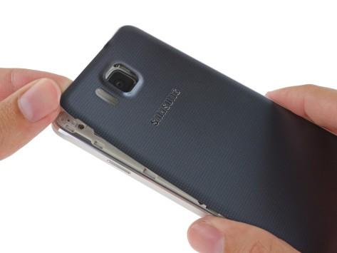 Samsung Galaxy Alpha: il teardown di iFixit non è positivo