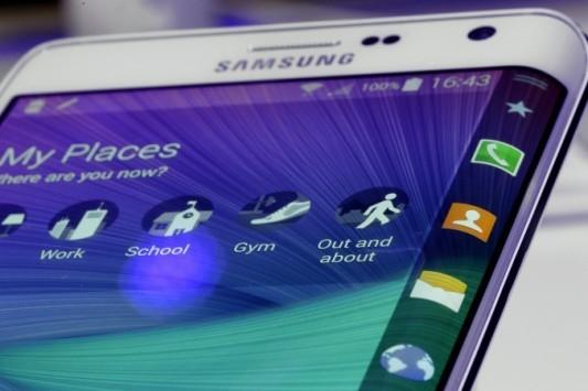 Samsung, il Galaxy S6 arriverà anche in versione Edge