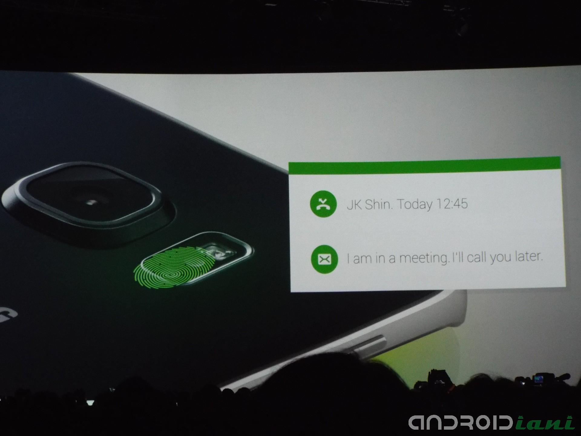 Anche l interfaccia della fotocamera ¨ stata ridisegnata e semplificata in modo da permettere all utente di interagire con il dispositivo riducendo al