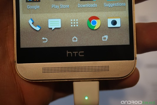 Un bug ritarda il lancio di HTC One M9