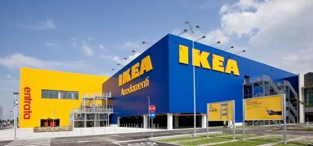 Ikea: pronte lampade e tavolini che ricaricano lo smartphone
