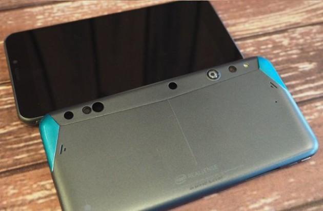 Google e Intel svelano il primo smartphone Project Tango con Real Sense