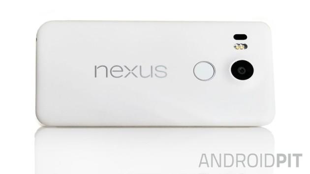 LG Nexus 5X: nuovo render confrontato con il predecessore Nexus 5