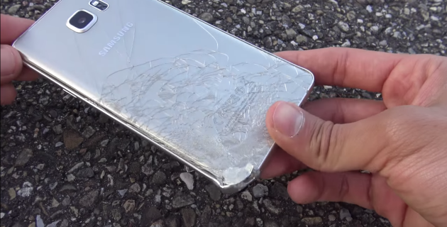 Samsung Galaxy Note 5 non supera il drop-test da 200 metri