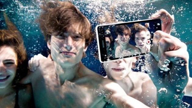Sony raccomanda di non utilizzare sott'acqua gli smartphone Xperia