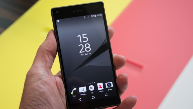 Sony Xperia Z5 Compact Italia scende a 409 Euro su Gli Stockisti