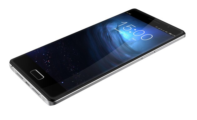 Bluboo Xtouch vs iPhone 6 vs OnePlus 2: sfida tra scanner biometrici