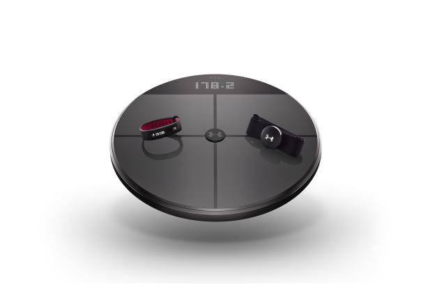 HTC e UNDER ARMOUR presentano UA HealthBox al CES 2016