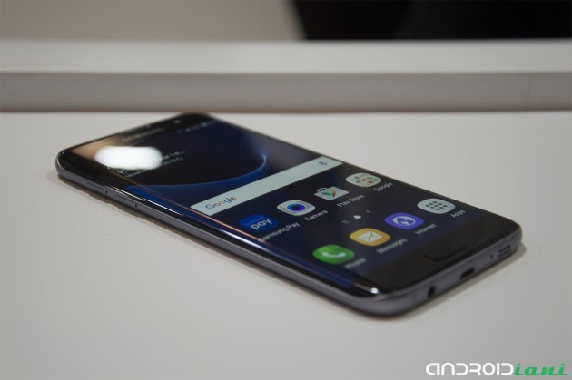 Samsung Galaxy S7 Edge contro iPhone 6S Plus e altri in un primo test di XDA