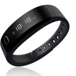 Intex FitRist è un bracciale low cost con display OLED
