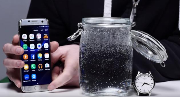 Galaxy S7 funziona perfettamente dopo più di 16 ore consecutive in acqua