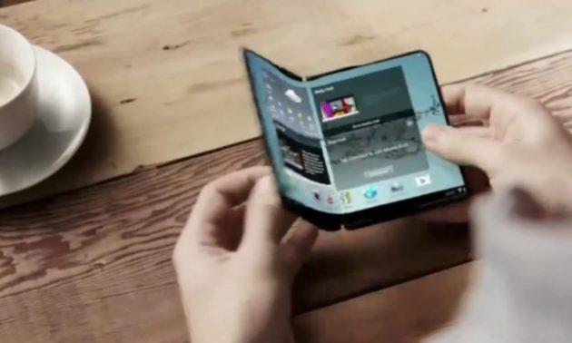 Samsung: device con display pieghevole presto sul mercato