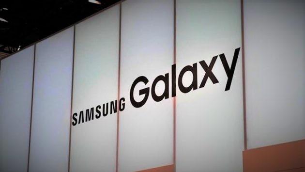 Samsung: in arrivo uno smartphone con doppio display? - FOTO