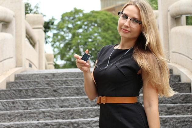 Vphone S8: lo smartphone più piccolo al mondo