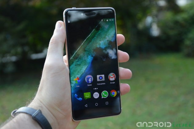 Ulefone Future: recensione dello smartphone bezel-less