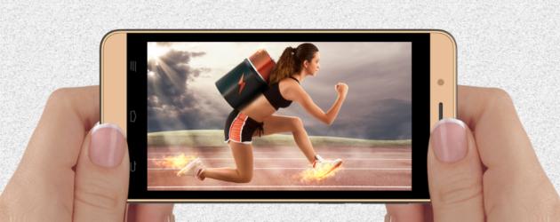 Intex Aqua Pro 4G con schermo 4.5'' e 1 GB di RAM