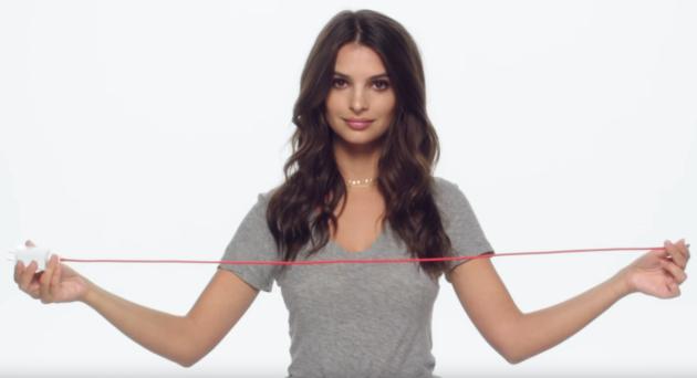 Emily Ratajkowski ci spiega come funziona Dash Charge di OnePlus