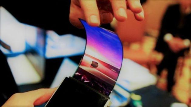 [RUMOR] Samsung: in arrivo smartphone pieghevole a dicembre?