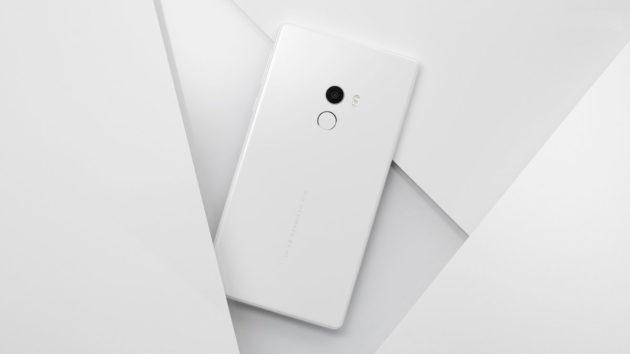 CES 2017: Xiaomi annuncia una variante bianca per Mi Mix