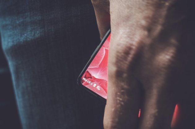 Andy Rubin pubblica la foto del primo smartphone progettato con la sua startup