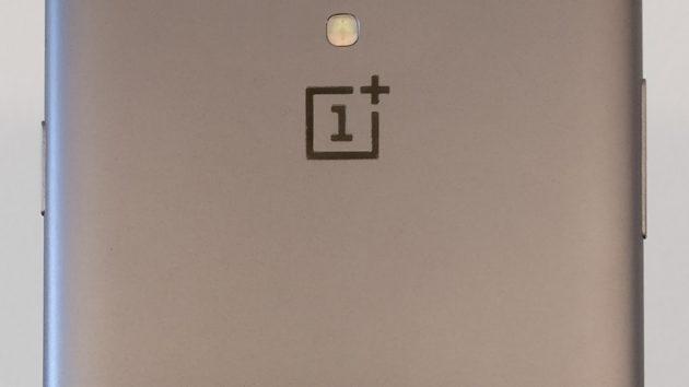 OnePlus 5: ecco il prototipo con doppia camera posteriore - FOTO