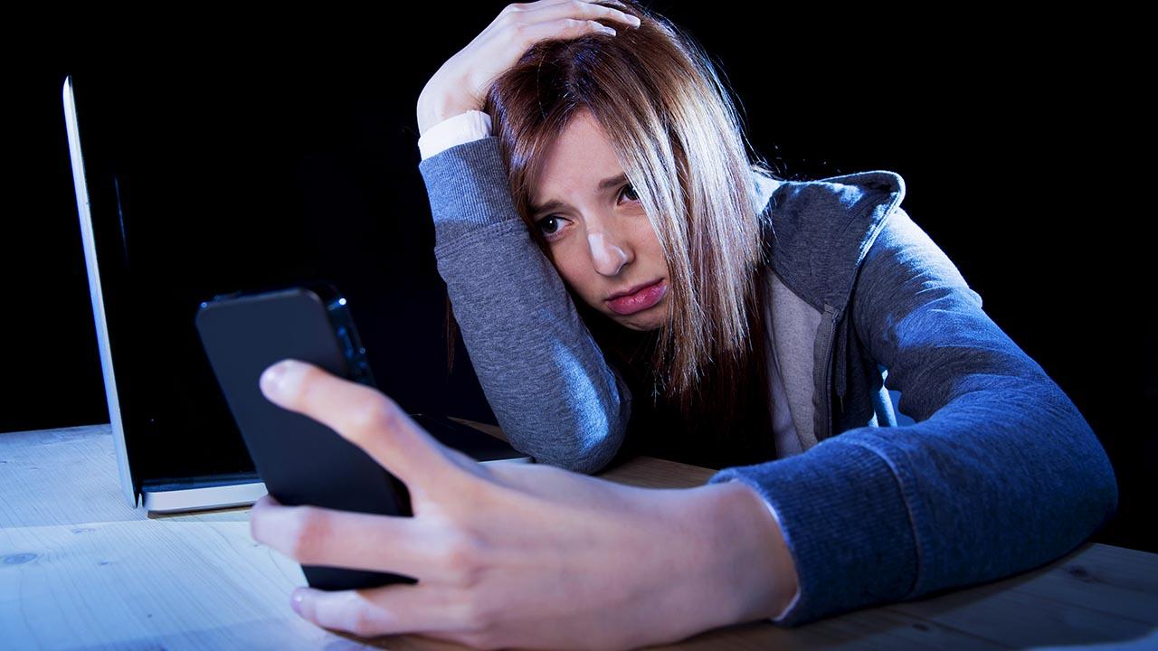 Risultati immagini per cyberbullismo instagram