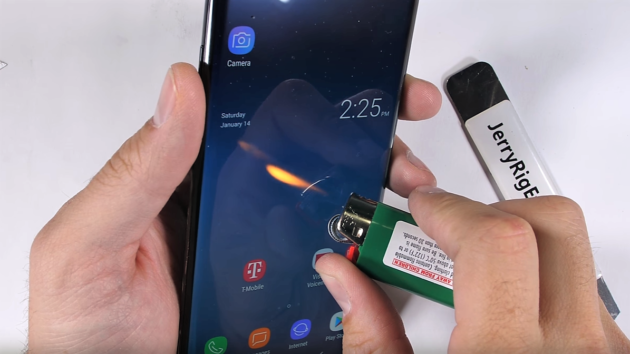 Note 8 supererà il test di resistenza di JerryRigEverything? - VIDEO