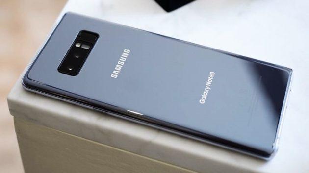 Smartphone: i prezzi di mercato continuano a salire