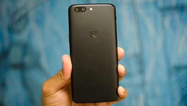 OnePlus 5: nuovo aggiornamento, con annesso Face Unlock