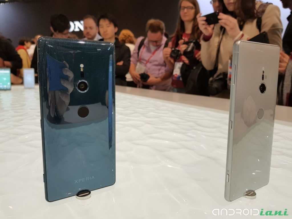 Sony Xperia XZ2, cuffie wireless Sony WH-1000XM2 in regalo a chi preordina