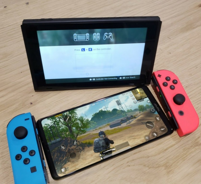 Honor Note 10 with Nintendo Switch