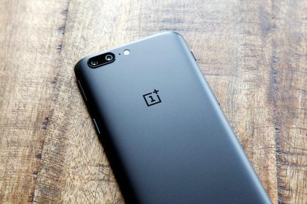 OnePlus 5 e 5T: in distribuzione la OxygenOS 9.0.2