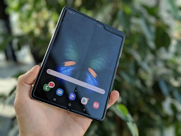 Samsung Galaxy Fold: slitta ufficialmente il lancio