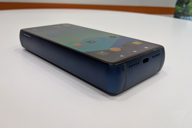 Energizer P18K: lo smartphone da 18.000 mAh. Un disastro annunciato?