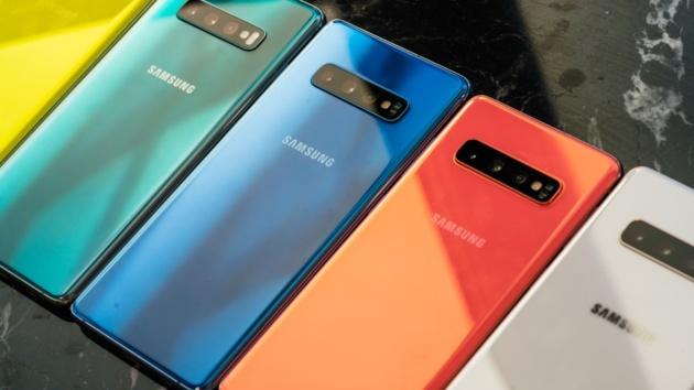 Galaxy S10 si aggiorna con le patch di marzo e miglioramenti al sensore di impronte