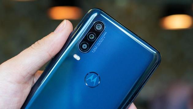 Motorola aggiorna il software della fotocamera e arriva Google Playground