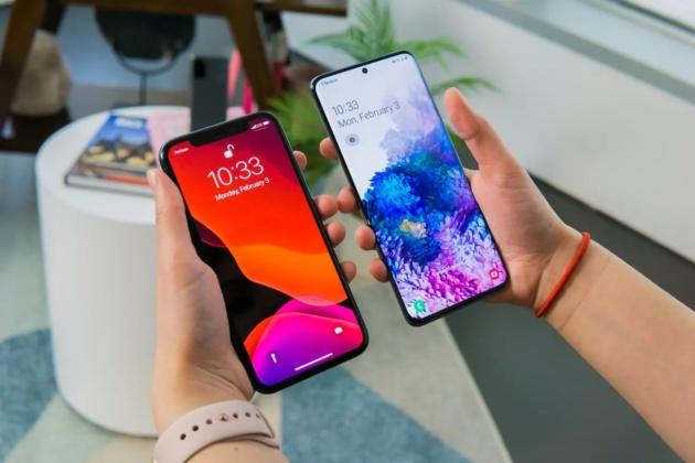 Le caratteristiche del Samsung Galaxy S20 assenti sull'ultimo iPhone