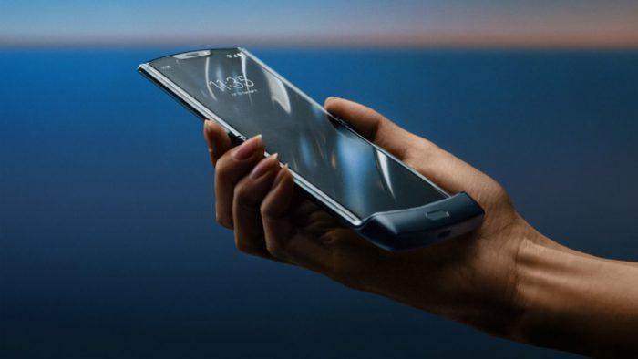 Motorola Razr: يكاد يكون من المستحيل تفكيك الشاشة 1